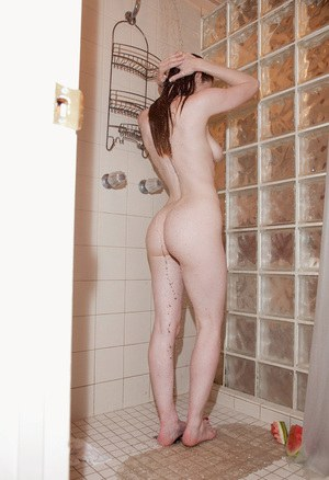 Small Tits In Shower Porn