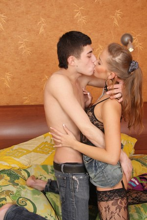 Teen Kissing Porn